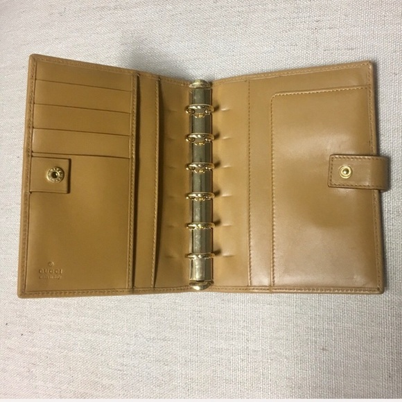 963c5a3bf0eec Gucci Handbags - Vintage Gucci Leather Day Planner